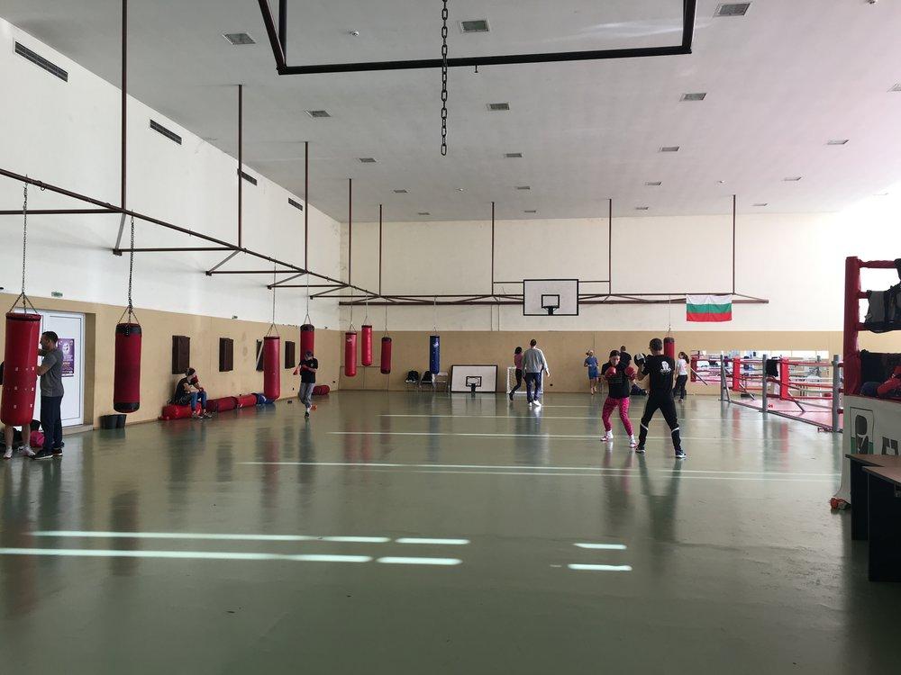 Svenska teamet fick möjlighet att träna i en större träningsanläggning.