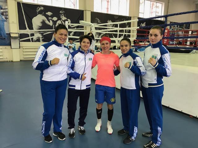 Regerande Världmästare : 81+kg KUNGEIBAYEVA Lazzat,48 kg KYZAIBAY Nazym , 54 kg ZHOLAMAN Dina , 69 kg KHALZOVA Valentina och våran Lise i mitten ;)