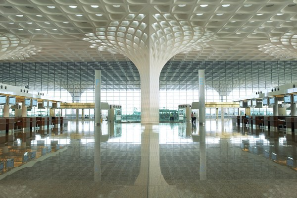 Международный аэропорт имени Чатрапати Шиваджи, в Мумбаи, Индия.