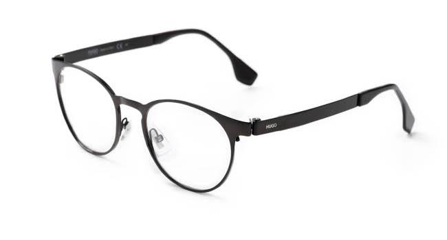 Hugo Boss (BOSS 0088)  Com lentes arredondadas e hastes finas, a peça na cor vinho conta com plaqueta de apoio para o nariz.