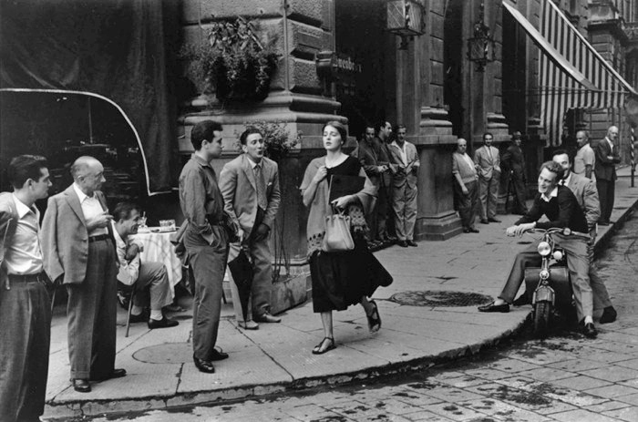 American Girl in Italy - Ruth Orkin, 1951