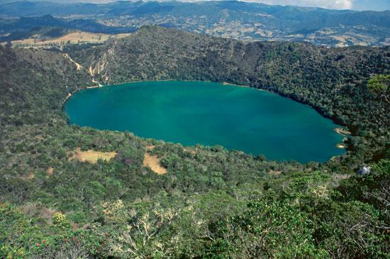 bogota-laguna-guatavita-1.jpg