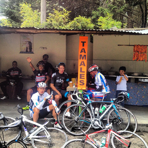 Rigoberto Uran , in his new kit, enjoys a roadside stop with  Mauricio Ardila  and others while training in Colombia.
