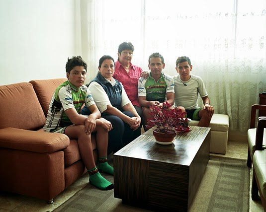 Esteban's family (Photo: Manual For Speed)