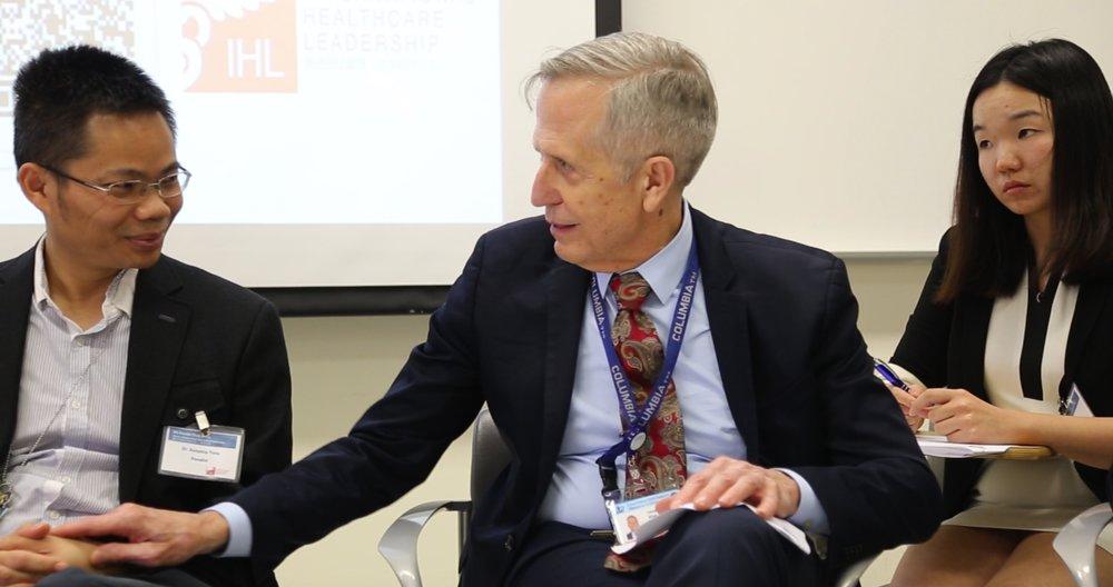 """去年5月,我在纽约参加IHL举办的""""炉边谈话""""中美医生对话系列论坛,与来自四川省华西医院的唐医生相谈甚欢。我认为面对面的讨论是中美医生、医疗行业互相学习的最好方式。该论坛到现在已经成功举办4次,我一次不落地参加了,每一次与中国医生的谈话都能让我受益匪浅。"""