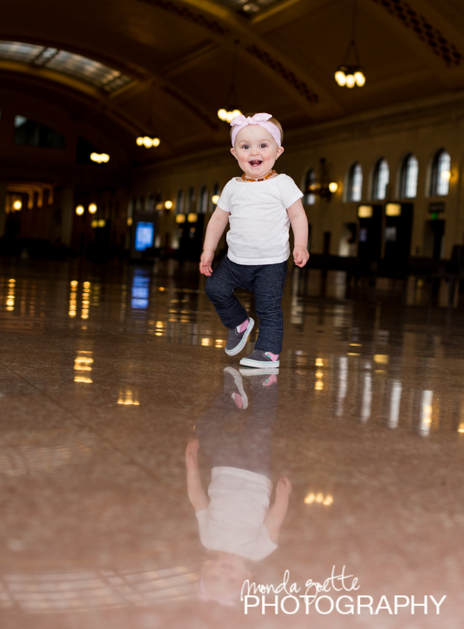 Family-photo-session-at-st paul-union-depot
