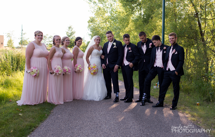 Formal-Bridal-Party-Fun-Photography-In-Eagan
