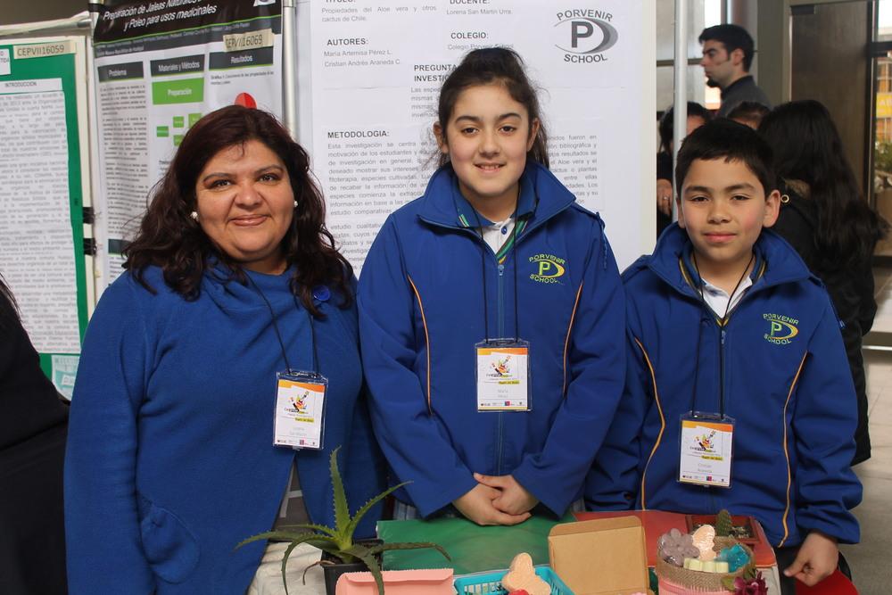 Prof Lorena Isabel San Martín Luna, María Artemisa Pérez Luego, Cristián Andrés Araneda Carrasco Colegio Porvenir School Chiguayante.JPG