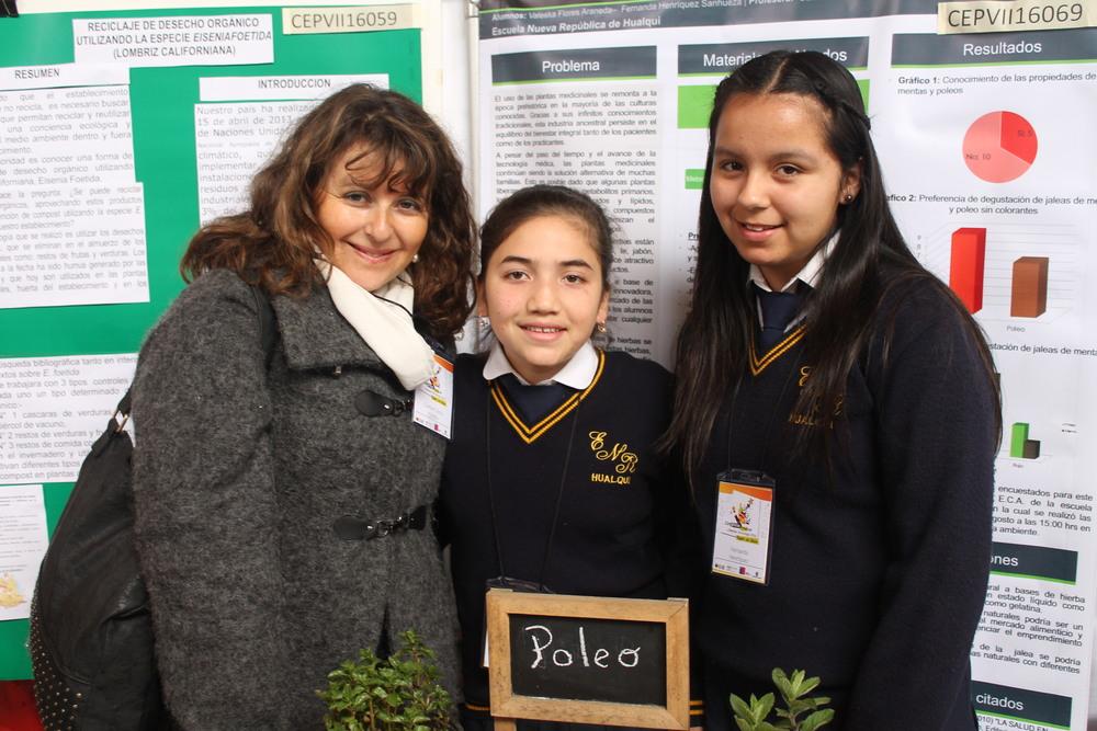 Prof Carmen Gloria Concha Ruiz, Valeska Paola Flores Araneda, Fernanda Antonela Henríquez Sanhueza, Escuela Nueva República .JPG