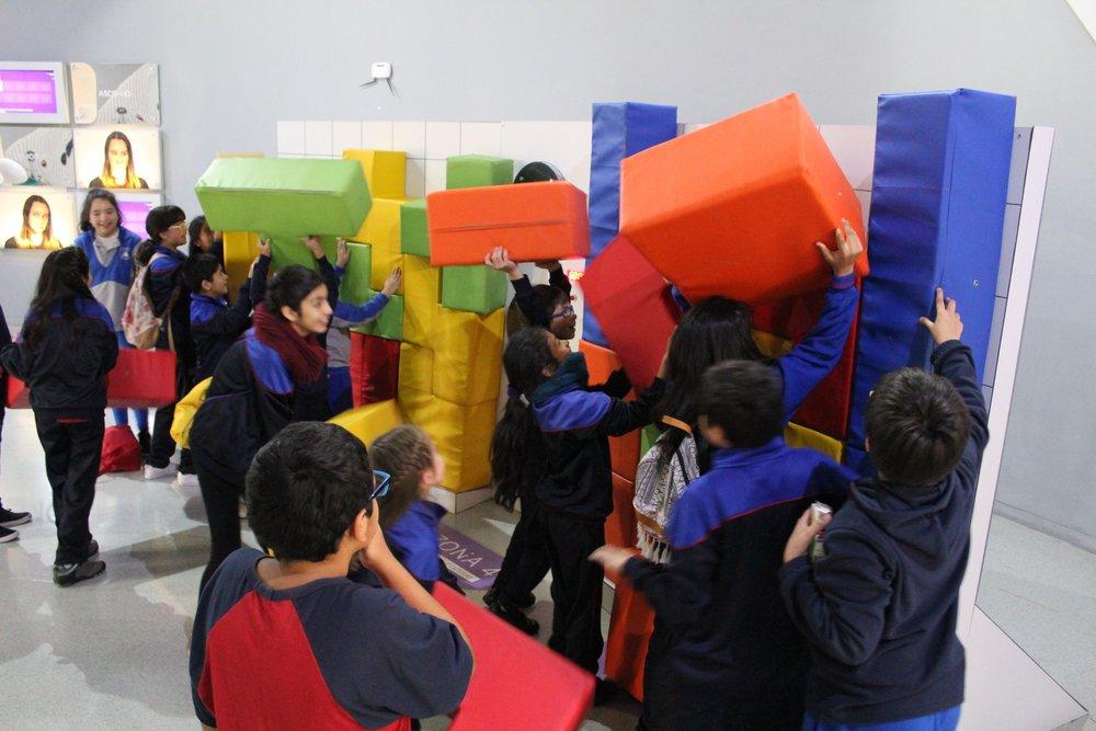 Colegios municipales y subvencionados visitan el Centro abierto de abril a febrero.