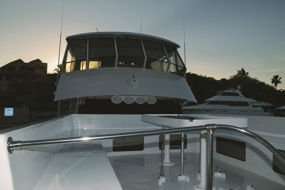 deck-piratas-de-tejas-yacht.jpg