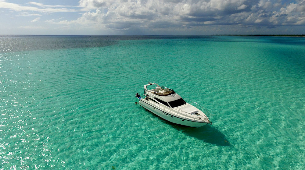 El Cielo, its shallow waters and your 47' yacht await...
