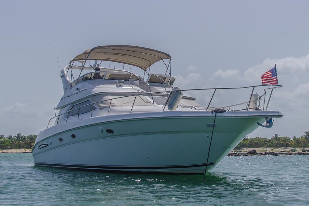 private-yacht-mayan-riviera.jpg