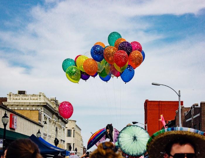 Cherokee St Balloons