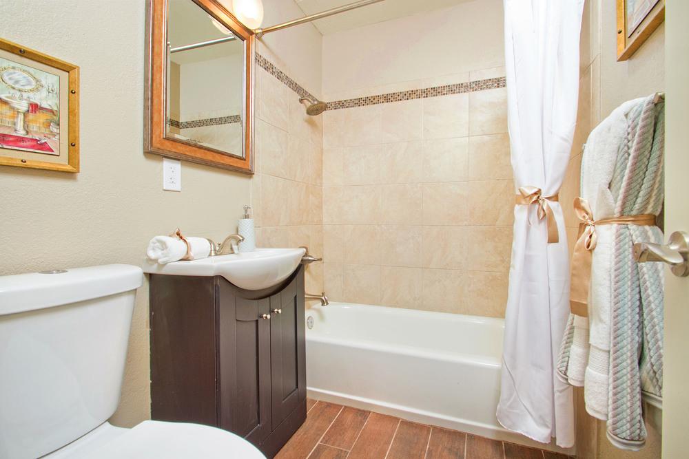 Guest bath-web.jpg