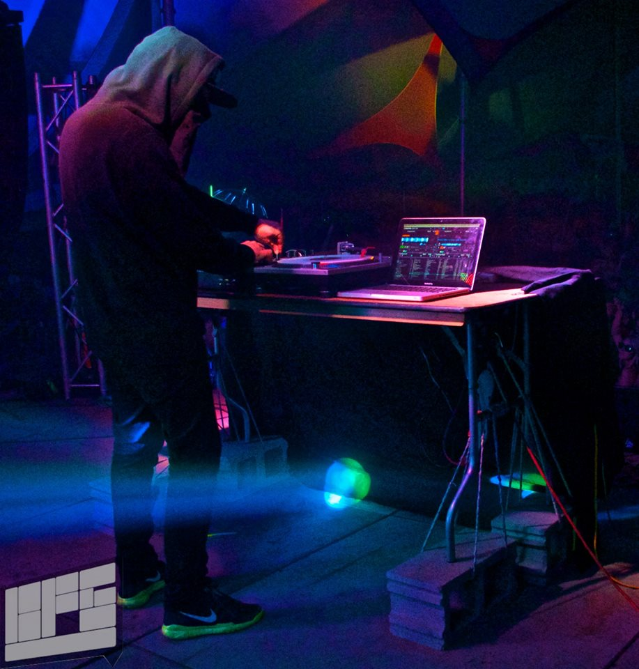 UZ playing the Vibe Tent, home of most of the late night sets. Photo by Madi Lawton