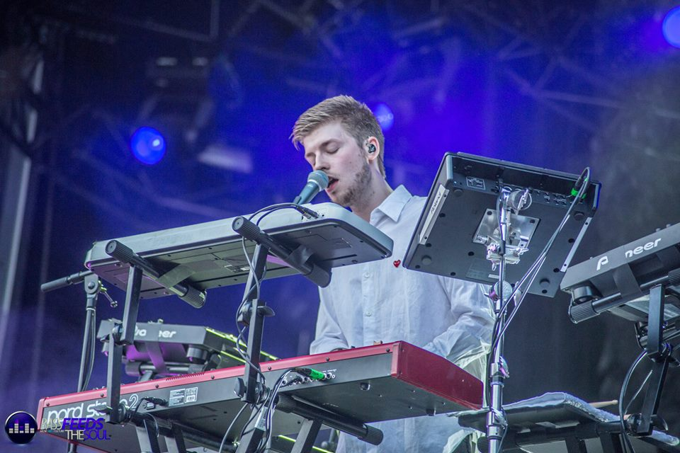 Lido serenading the crowd with amazing vocals. Photo By Madi Lawton