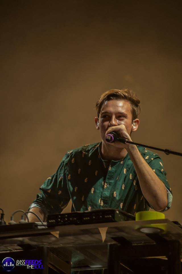Flume thanks the crowd before starting his set to close out Thursday night's festivities. Photo By Madi Lawton