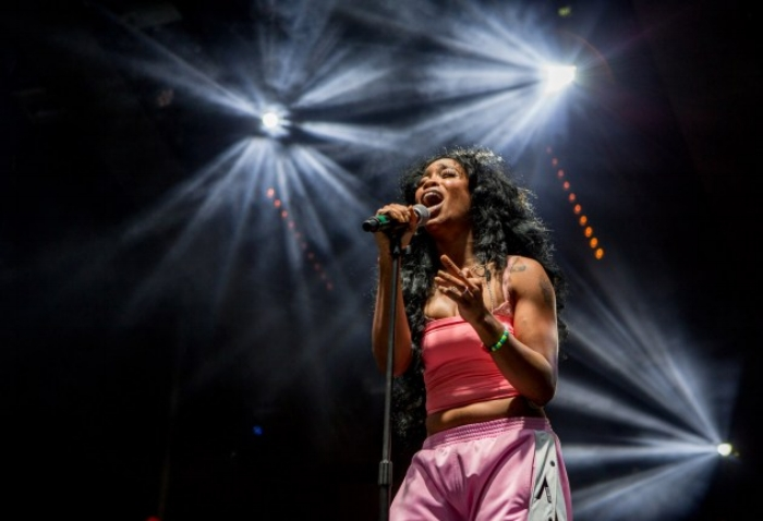 SZA Performing at The Grammy's