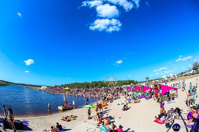 🌴 Missing the days spent hanging out on the beach at @okeechobeefest with all of our best friends!  Any guesses about who will be on the lineup this year?  Photo by: @aroojm66 🌴 🌴 🌴 🌴 🌴  #musicfestival #music #concert #edm #electronicmusic #producer #dj #festivalfashion #bass #dubstep #housemusic #bassfeedsthesoul #picoftheday #followforfollow #likeforlike #photography #concert #musician #travel #nofilter #okeechobee @okeechobeemf #okee2019 #dancemusic