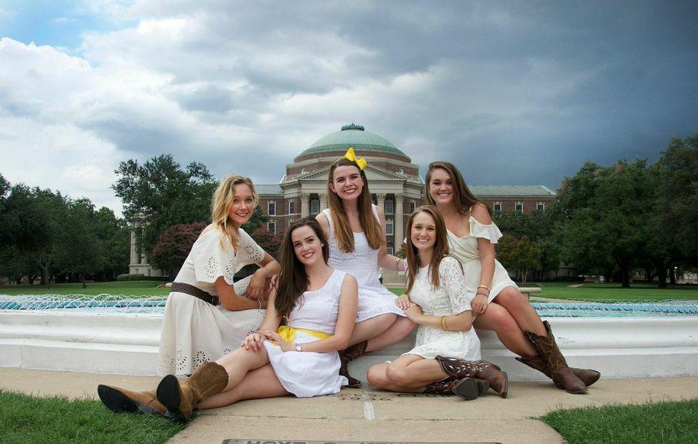 Seniors : Sydney Kamp, Sarah Wood, Ally Van Deuren, Shelby Sharp, Miranda Hanson