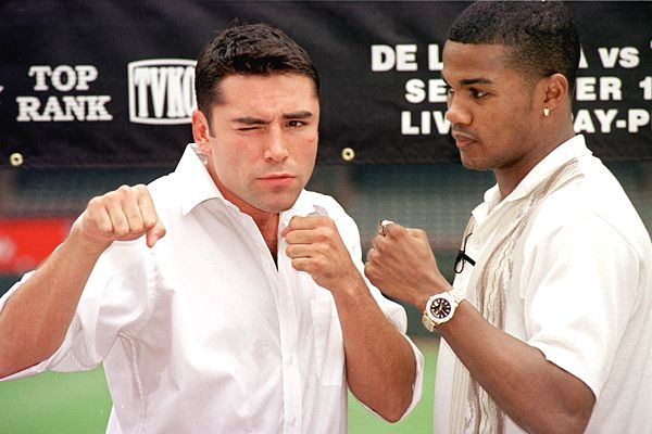 Oscar De La Hoya and Felix Trinidad posing before their highly-anticipated 1999 showdown.