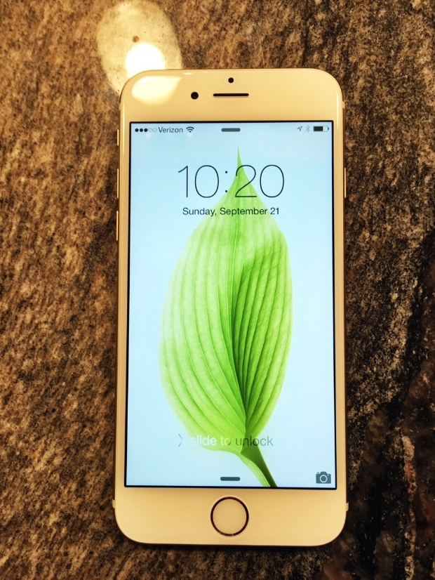 128GB Gold VZ iPhone 6 (Model A1549) running on Verizon Network.