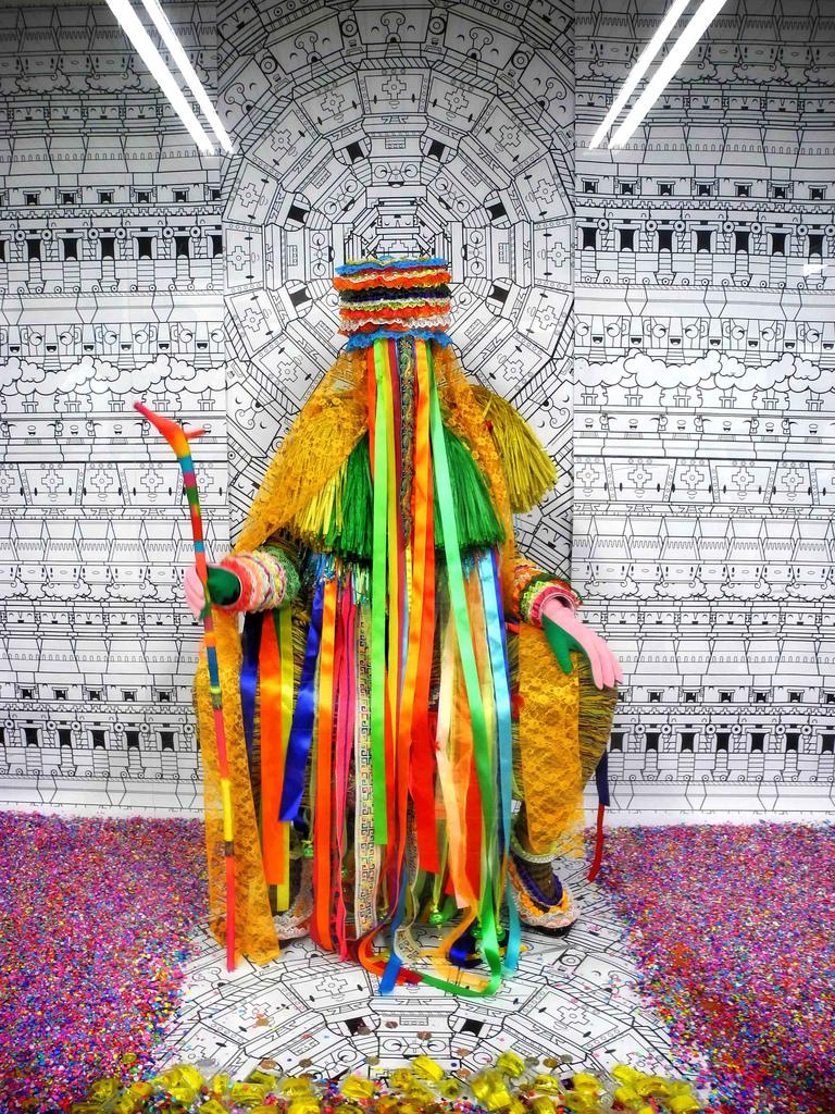 """artdiva :     NATIVA - Performance  Anabel Vanoni   Fotografía: Eric Morales """"Dr. Morbito"""" SUBcutáneo""""acciones bajo la piel de la ciudad 2013 - México D.F."""