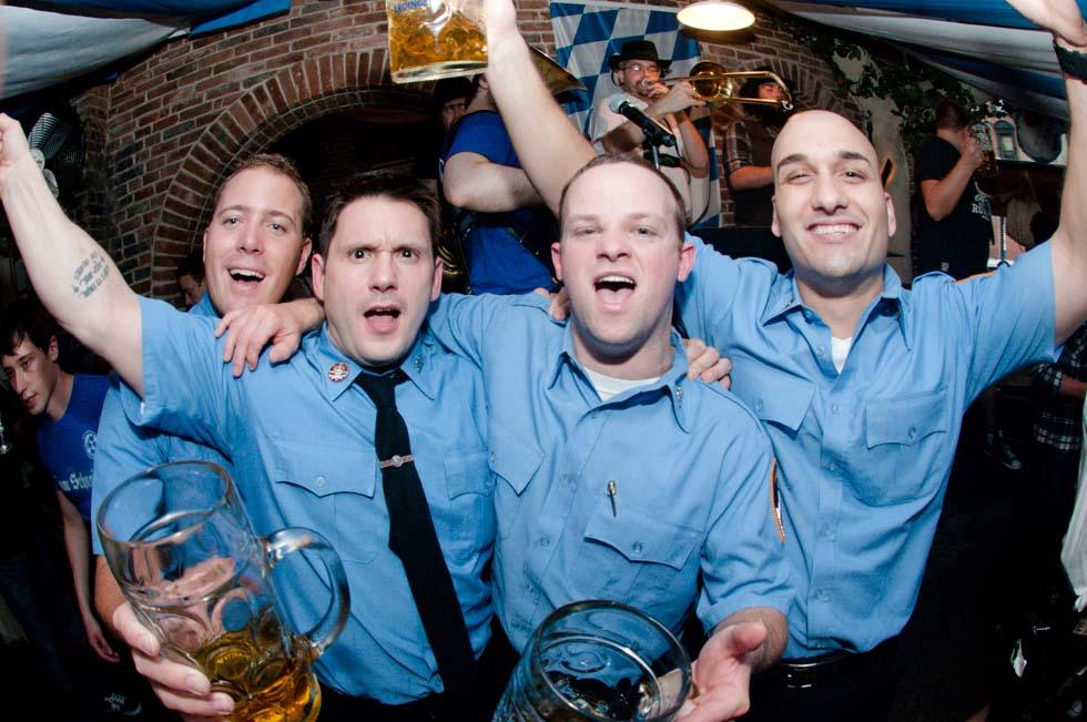 zum-schneider-nyc-2011-oktoberfest-1000.jpg