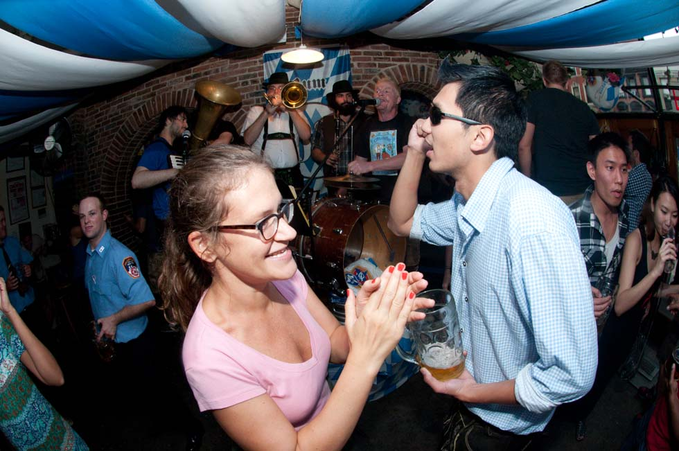 zum-schneider-nyc-2011-oktoberfest-1010.jpg