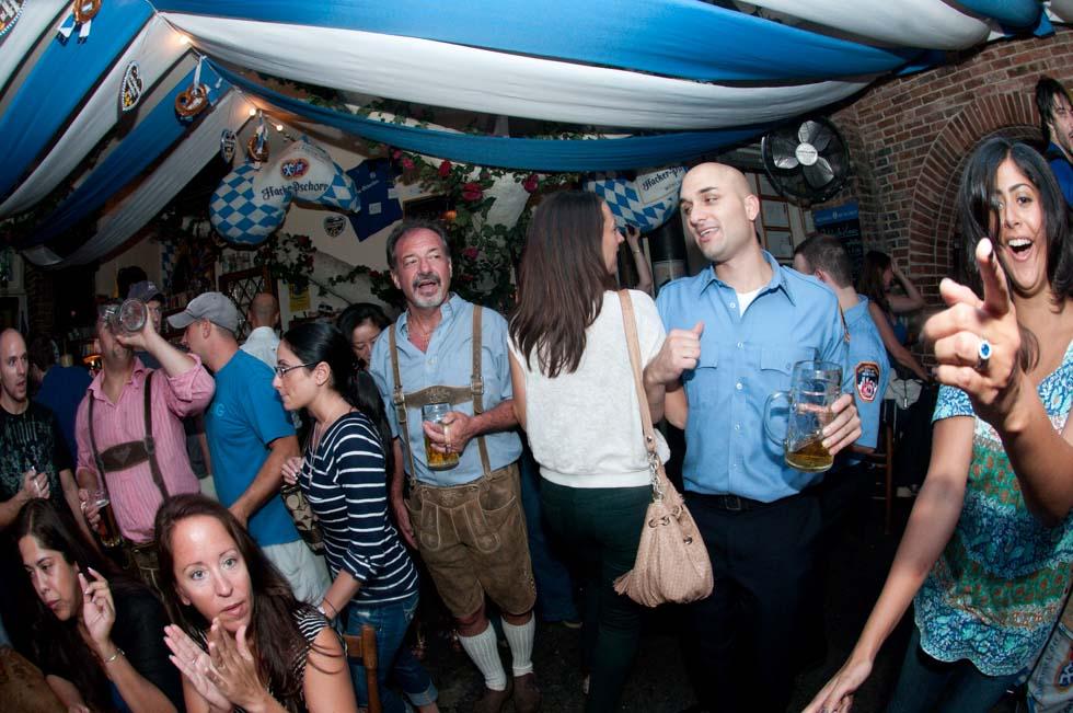 zum-schneider-nyc-2011-oktoberfest-1011.jpg