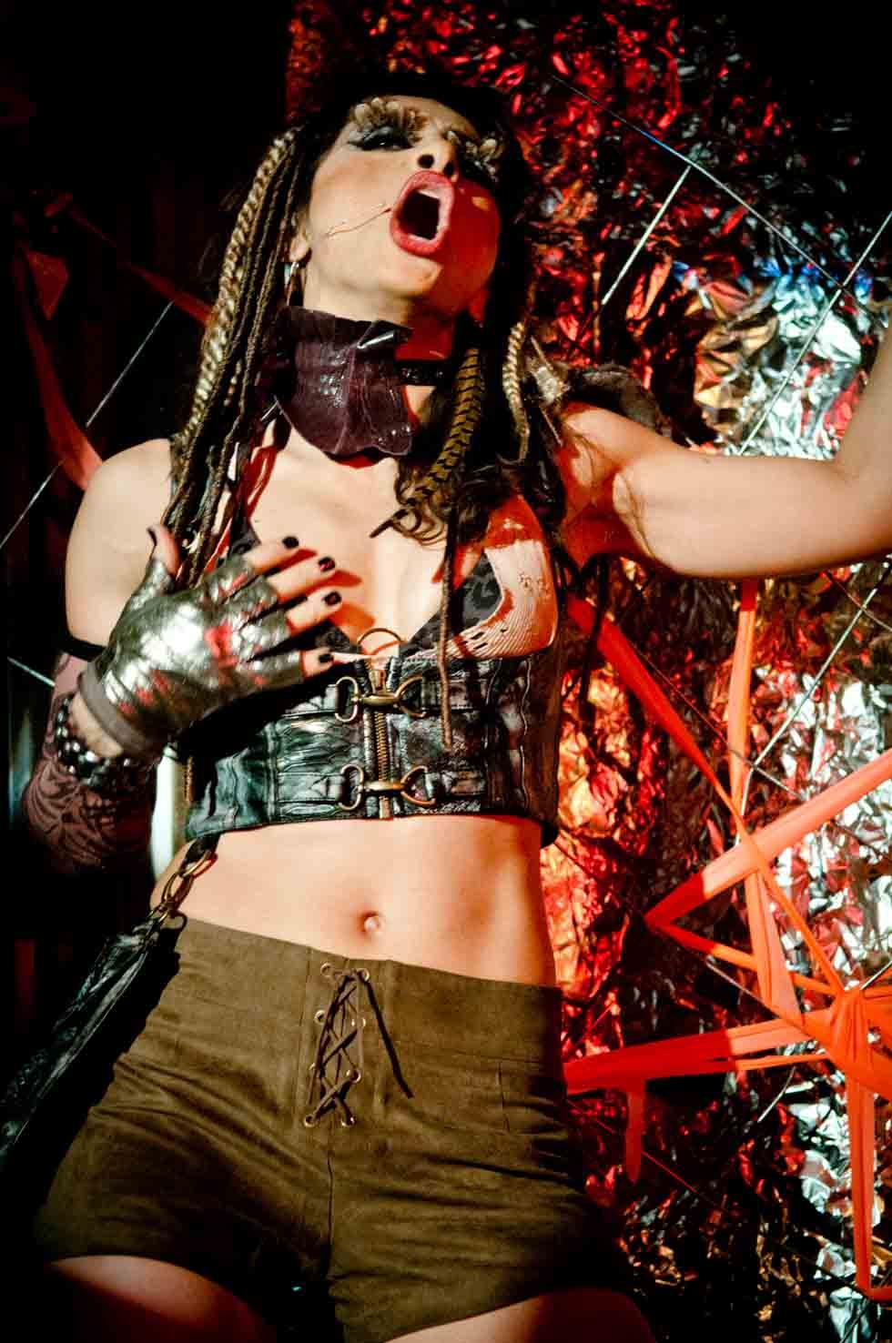 zum-schneider-nyc-2012-karneval-apocalyptika-3395.jpg