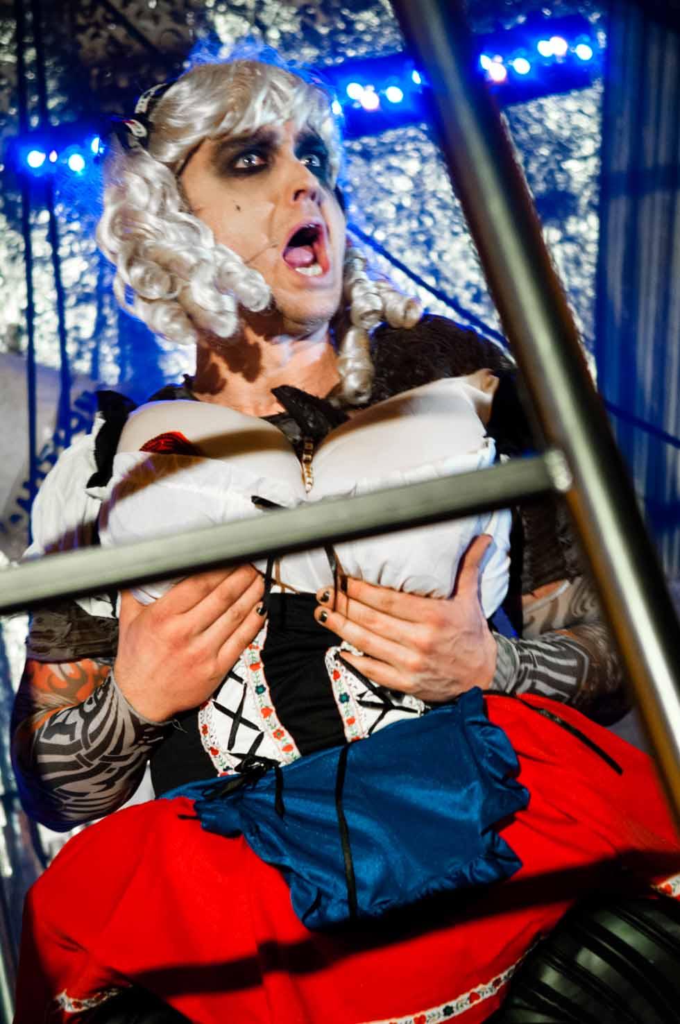 zum-schneider-nyc-2012-karneval-apocalyptika-3712.jpg