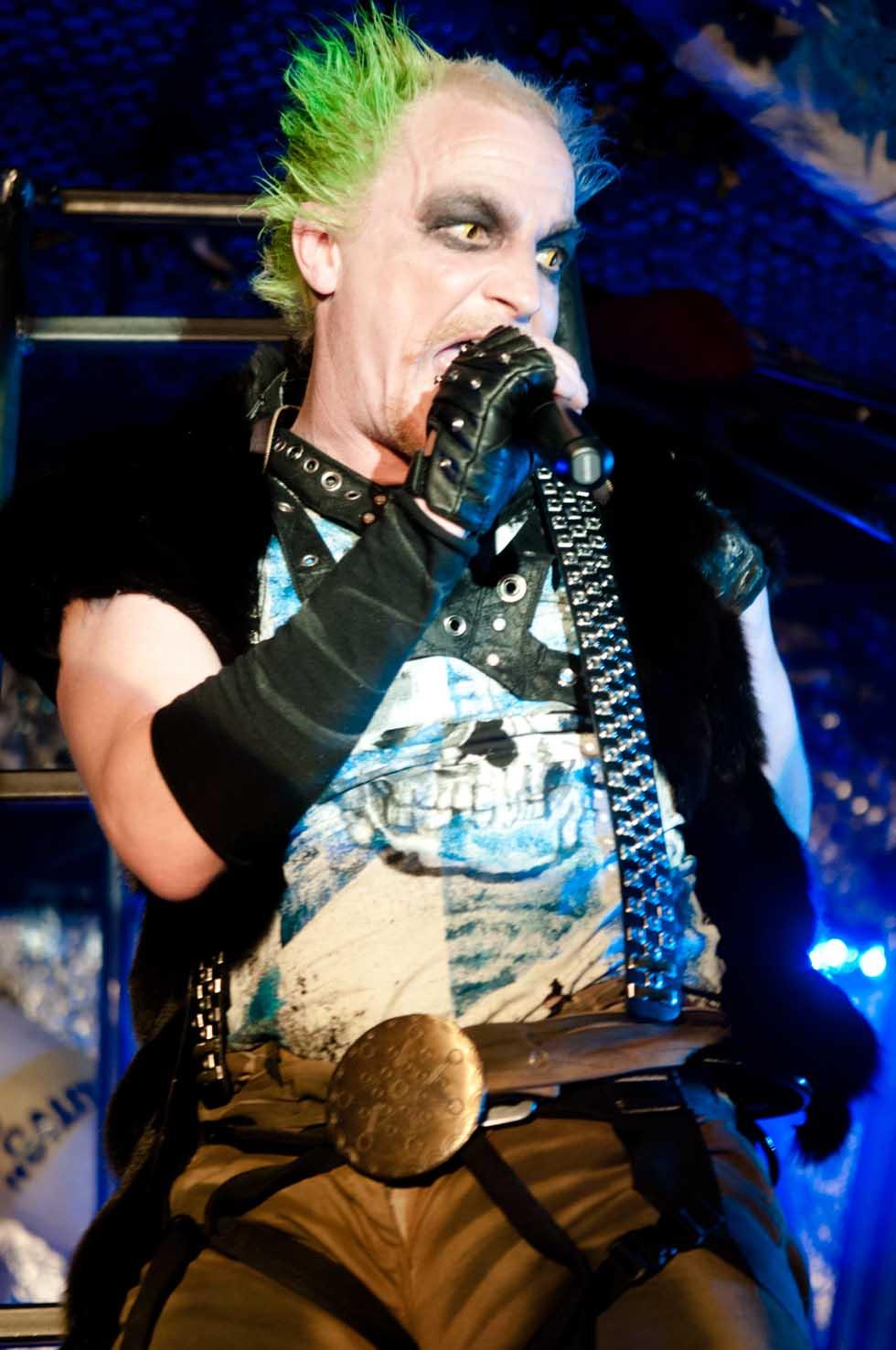 zum-schneider-nyc-2012-karneval-apocalyptika-3983.jpg