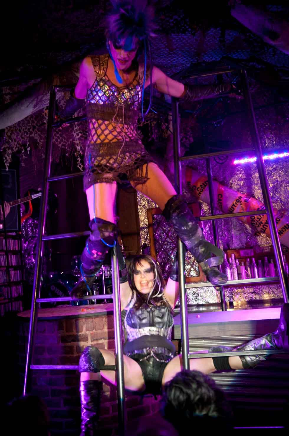 zum-schneider-nyc-2012-karneval-apocalyptika-4029.jpg