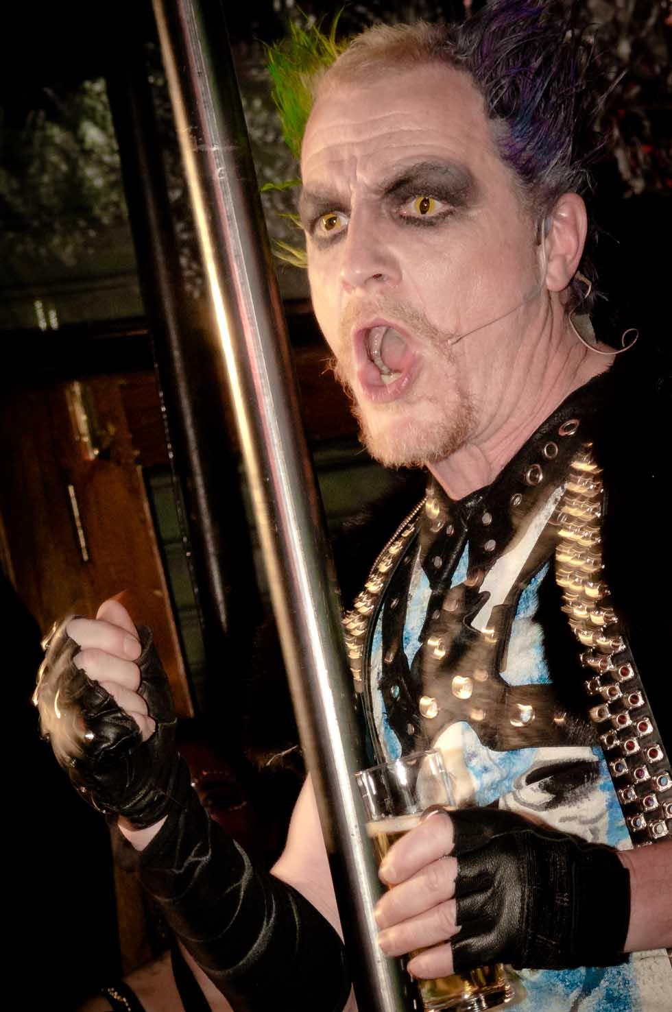 zum-schneider-nyc-2012-karneval-apocalyptika-4134.jpg