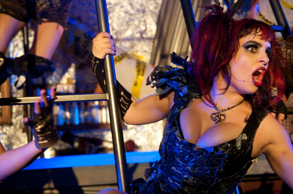 zum-schneider-nyc-2012-karneval-apocalyptika-4169.jpg