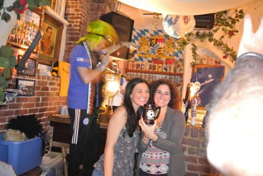 zum-schneider-nyc-2012-cup-trophy-ceremony-03.jpg