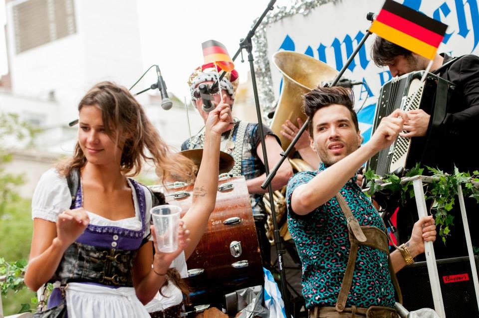 zum-schneider-nyc-2013-steuben-parade-17.jpg