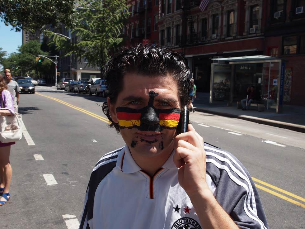 zum-schneider-nyc-2010-world-cup-03.jpg