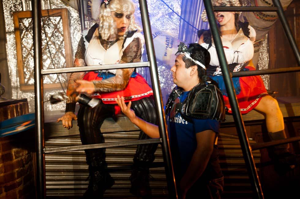 zum-schneider-nyc-2012-karneval-apocalyptika-4800.jpg