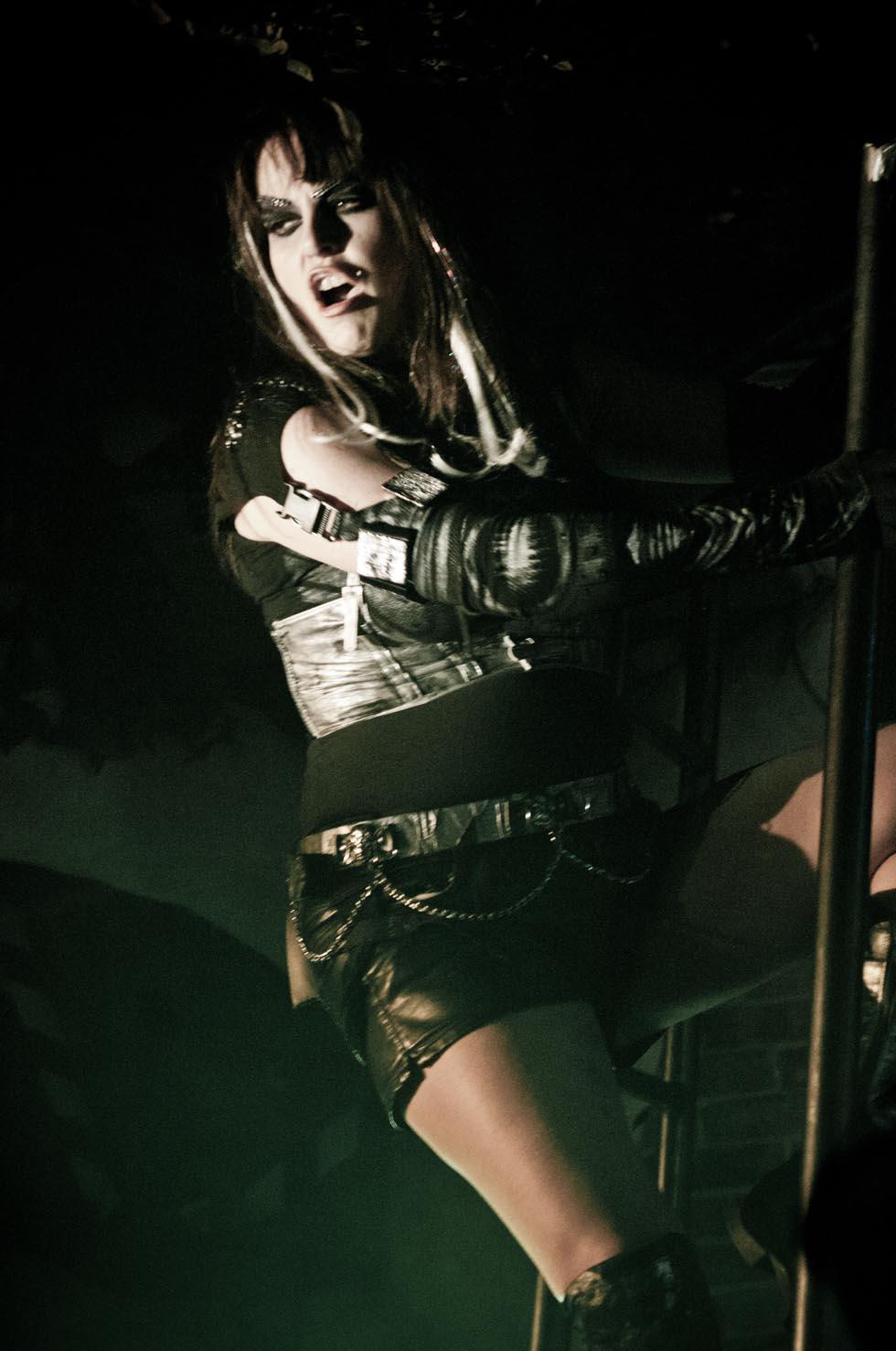zum-schneider-nyc-2012-karneval-apocalyptika-5091.jpg