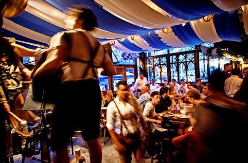 Der Besitzer des Schneider im Stadtteil Lower East Side tritt mit seiner Band auch im eigenen Lokal auf.Foto: laif