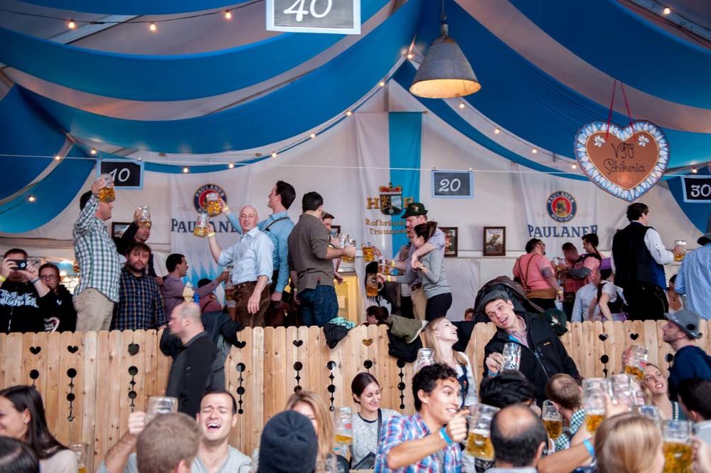 zum-schneider-nyc-2014-oktoberfest-munich-east-river-5406.jpg