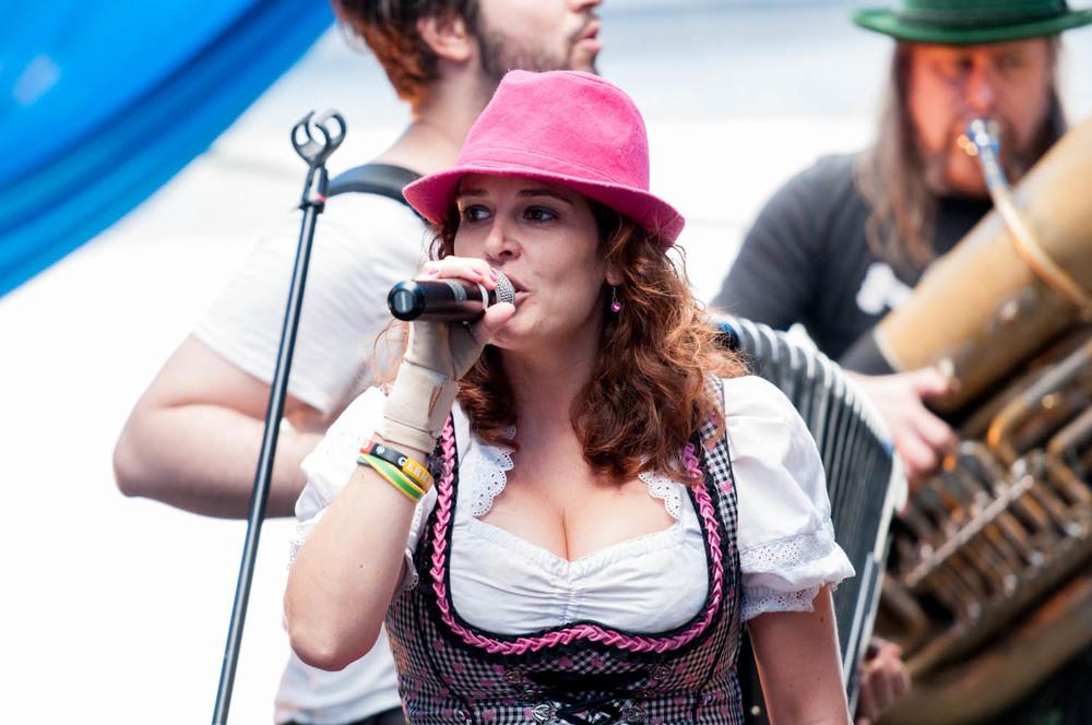 zum-schneider-nyc-2014-oktoberfest-munich-east-river-3139.jpg