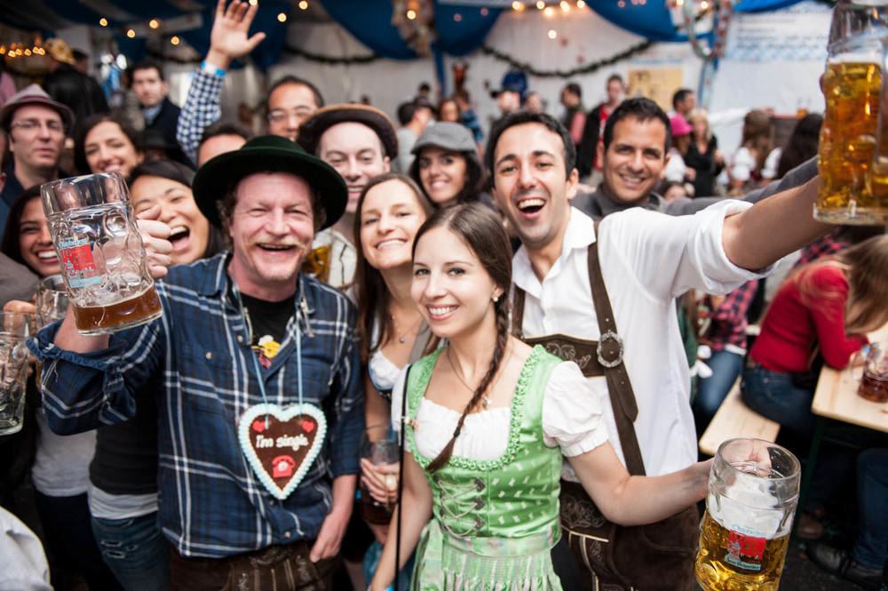 zum-schneider-nyc-2014-oktoberfest-munich-east-river-5292.jpg