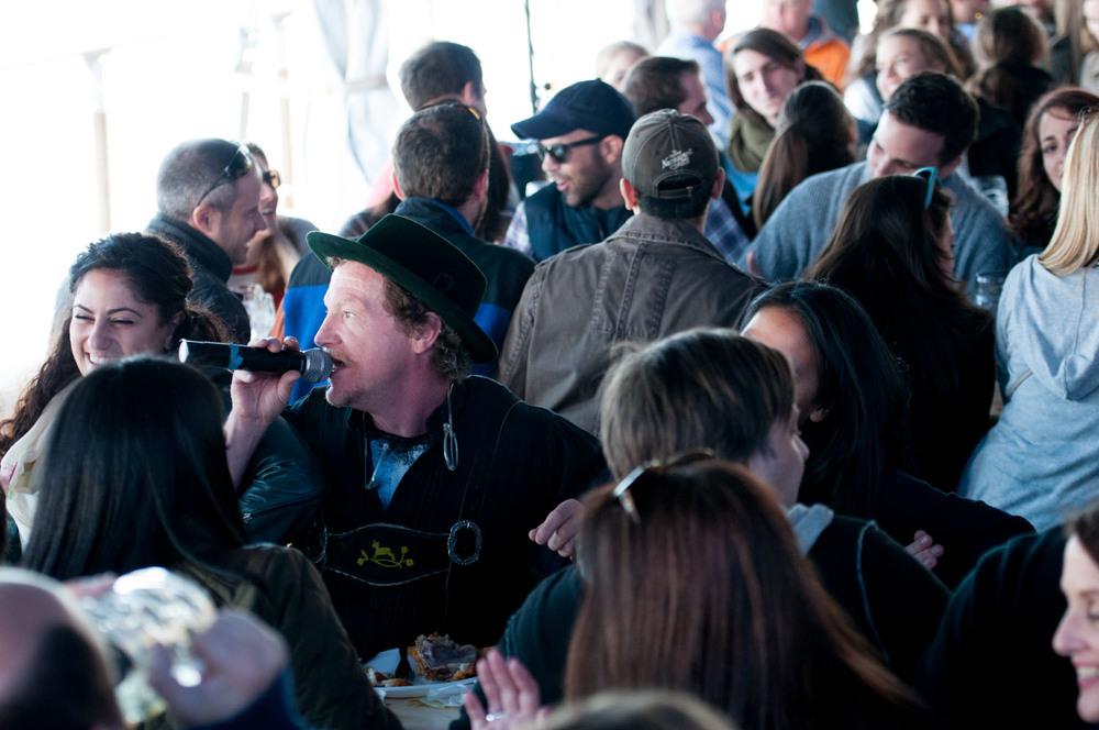 zum-schneider-nyc-2014-oktoberfest-munich-east-river-3278.jpg
