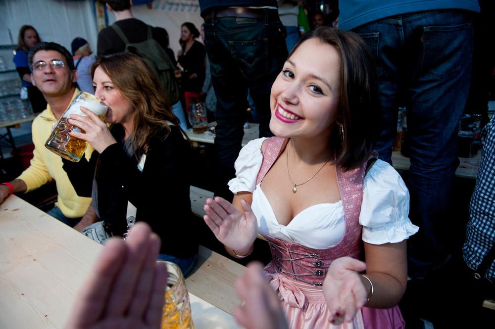 zum-schneider-nyc-2014-oktoberfest-munich-east-river-5999.jpg