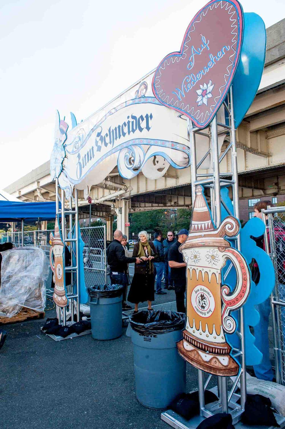 zum-schneider-nyc-2014-oktoberfest-munich-east-river-5884.jpg