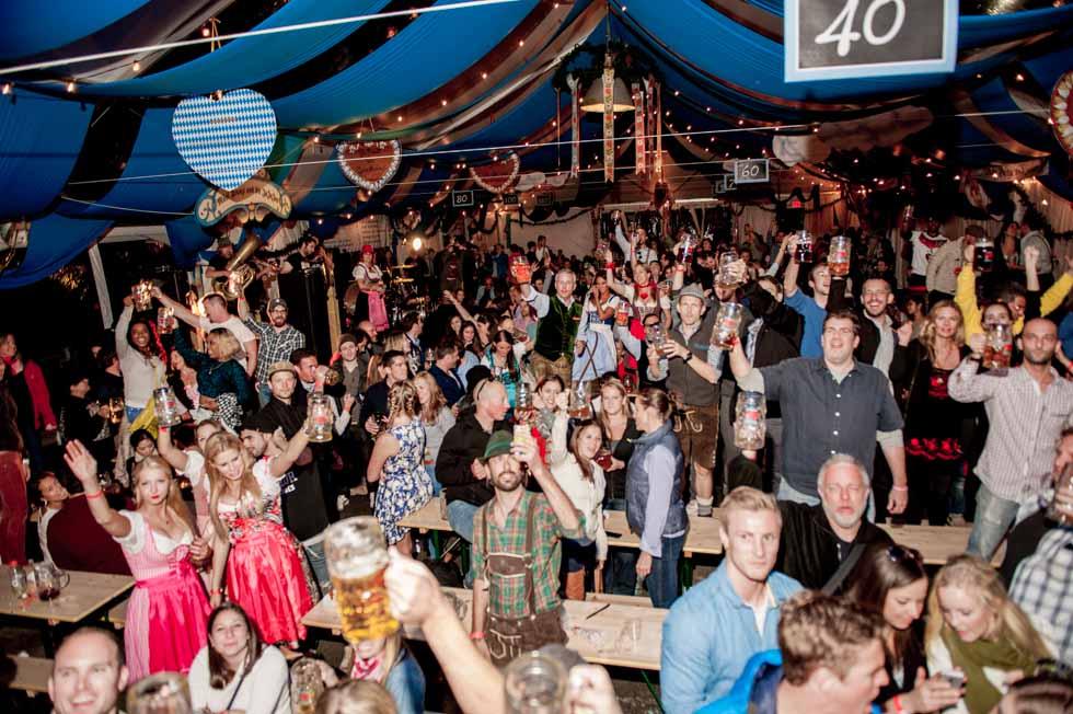 zum-schneider-nyc-2014-oktoberfest-munich-east-river-6159 2.jpg